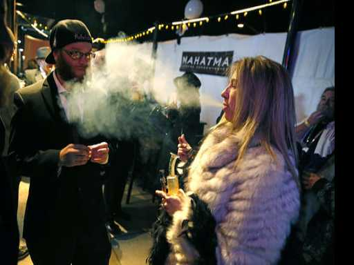 Colorado Warms to Pot Clubs Despite Federal Uncertainty