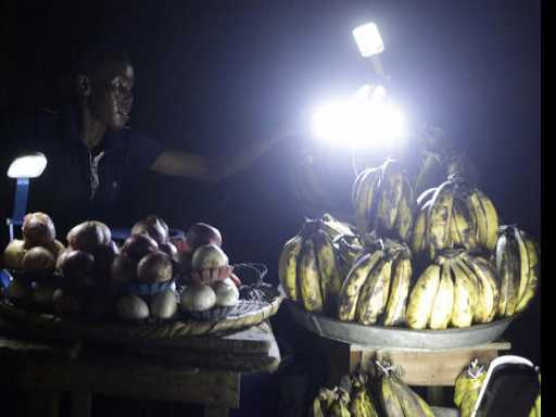 Nigerians Starved of Electricity Access Turn to Solar