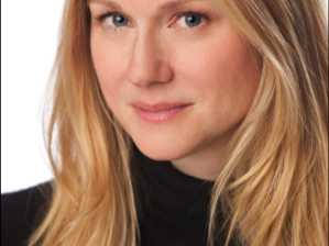 The League of Professional Theatre WomenInterviews Laura Linney