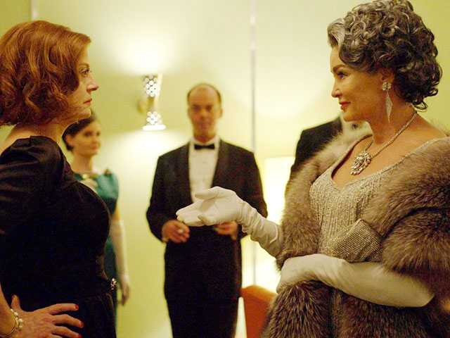 In 'Feud: Bette and Joan,' a War Between Two Legends Retold & Reframed