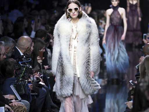 80s Revival at Paris Fashion Week