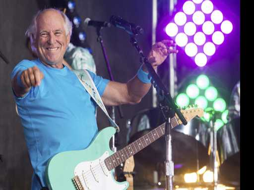 Margaritaville King Jimmy Buffet Launches Retirement Village