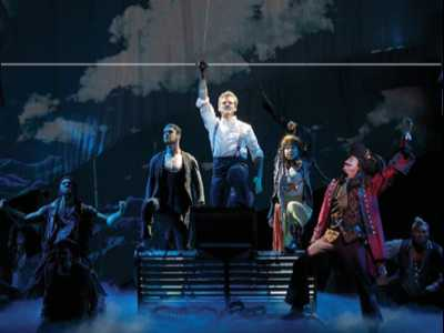 'Finding Neverland' Soars to California