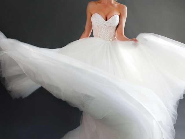 Tips for Buying or Selling a Used Wedding Dress Online