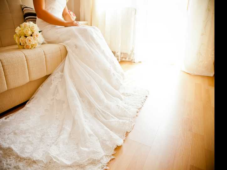 Some Brides Say Yes to Selling Their Wedding Dress Online
