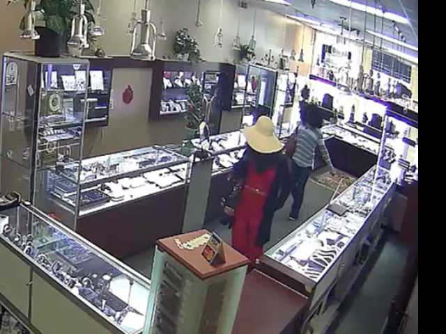Armed 'Men Dressed as Women' Allegedly Rob Florida Check Cashing Store