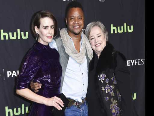 Watch: The Internet is Outraged That Cuba Gooding Jr. Lifted Up Sarah Paulson's Dress