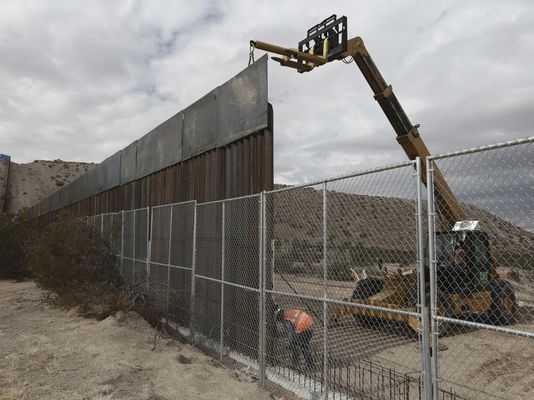 White House Plan to Help Pay for Border Wall a Long Shot