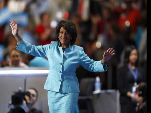 Black Women Stand up on Twitter Following Maxine Waters Dig