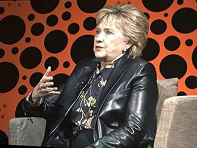 Clinton Wows SF Business Crowd