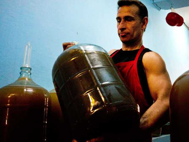 Cuban Uses Condoms, Tropical Fruit to Make Wine