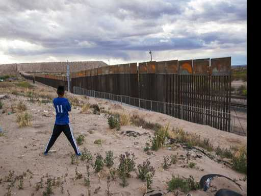 AP-NORC Poll: Most Americans Oppose Funding Border Wall