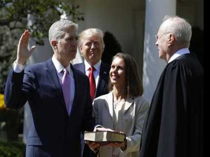 Gorsuch Pledges to be a 'Servant' of the Constitution