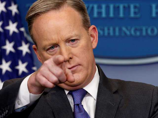 Spicer Apologizes for 'Insensitive' Reference to the Holocaust