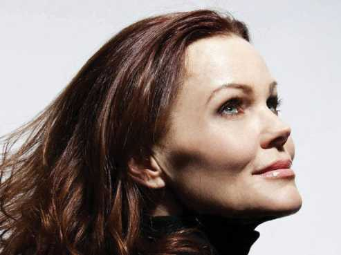 Belinda Carlisle :: A Woman on a Mission