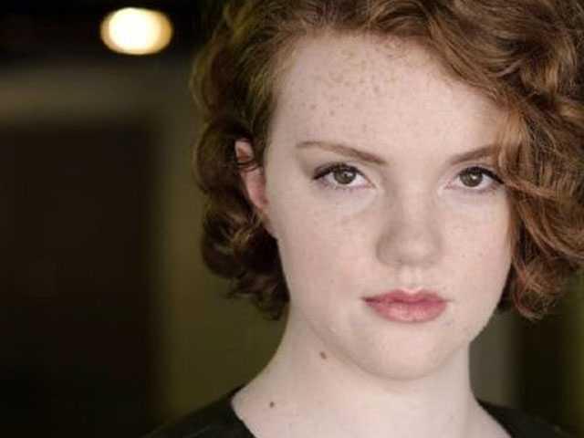 In Emotional Tweet, 'Stranger Things' Star 'Barb' Comes Out as Bi