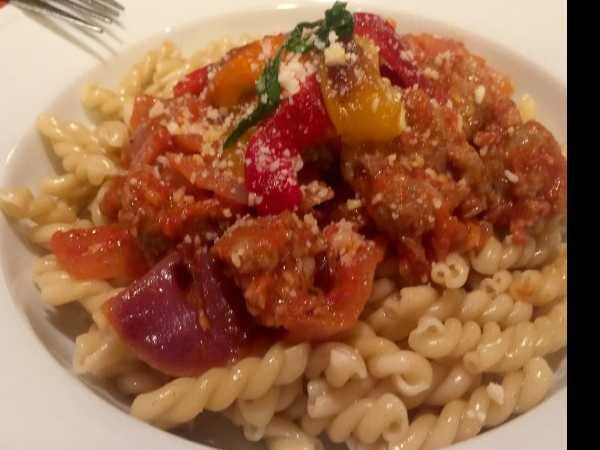 Anthony's Kitchen: Sausage, Peppers and Gemelli Pasta