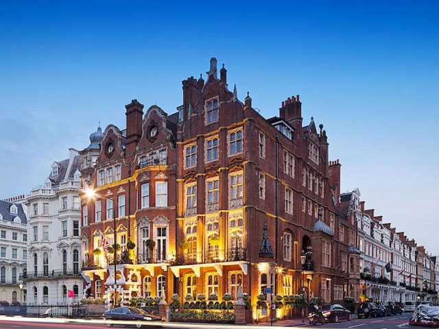 Slumber Party: A Swanky Stay at London's Milestone Hotel
