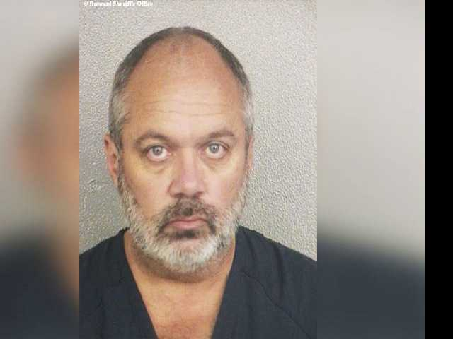Man Who Threatened Pulse-Style Attack Locks Self in Courthouse Bathroom
