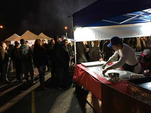 Sprawling Nighttime Food Markets Popping Up Throughout U.S.