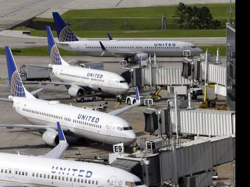 United Raises Limit on Bumped Passengers to 10K