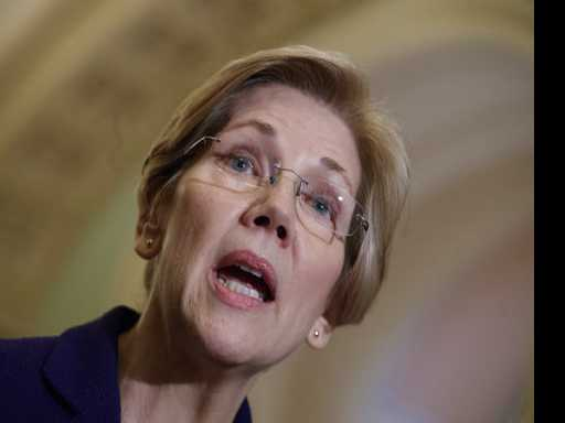 Warren 'Troubled' by Report of Wall Street-Paid Obama Speech