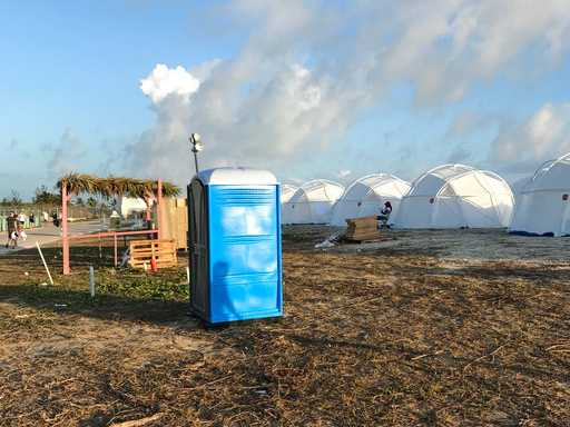 Fyre Fest Fiasco: Bahamas Party Lives, Dies on Social Media
