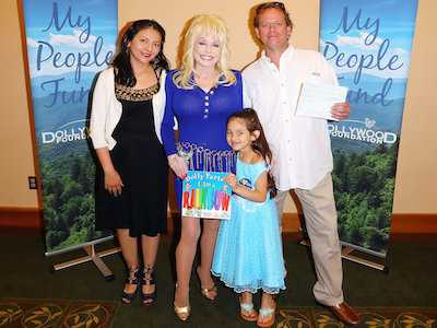 Dolly Parton Helps Distribute Final 'My People Fund' Checks