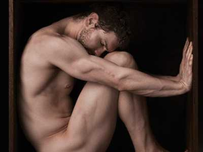 Stretching the Boundaries of Male Beauty