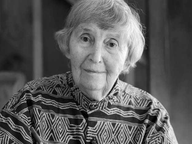 'Natural Foods Cookbook' Author Beatrice Trum Hunter Dies at 98