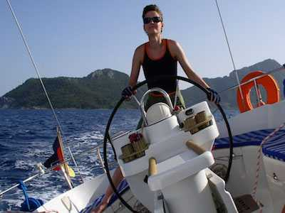 Lesbian Escapes Russia By Boat, Sails to Canada With Woman She Loves