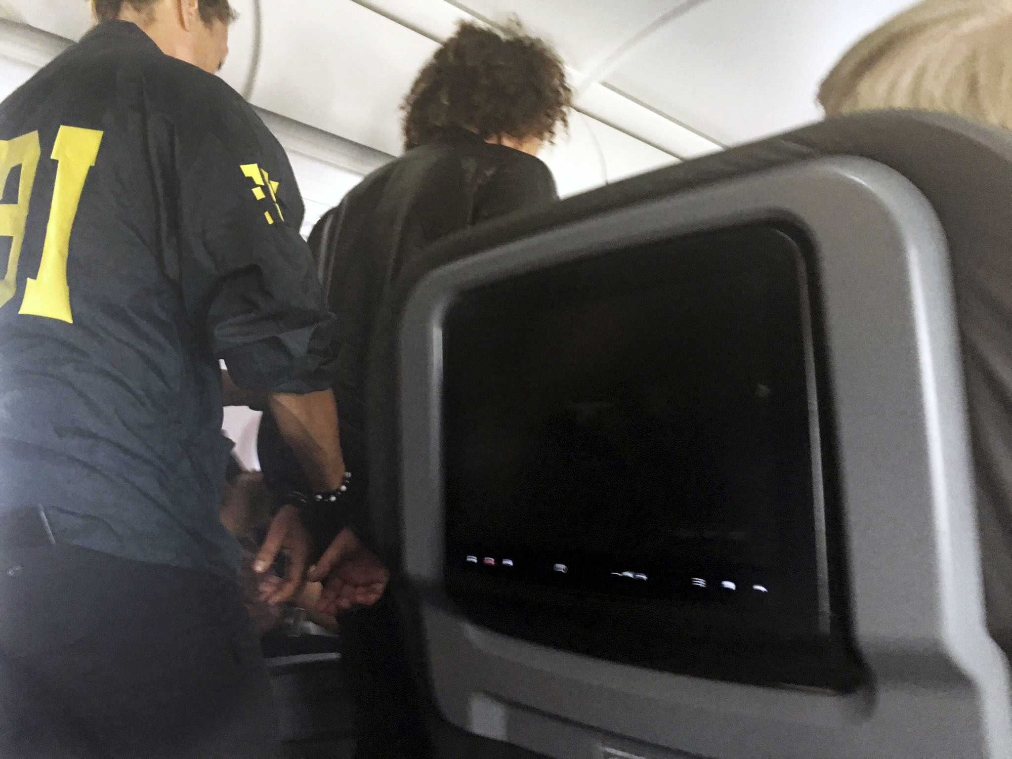 Turkey: Man Detained on US Plane Just Wanted 1st Class Seat