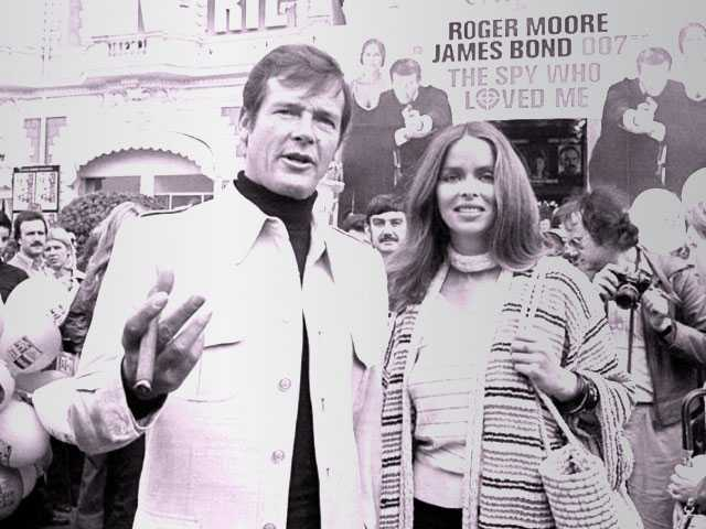 Roger Moore, Star of 7 James Bond Films, Dies at 89