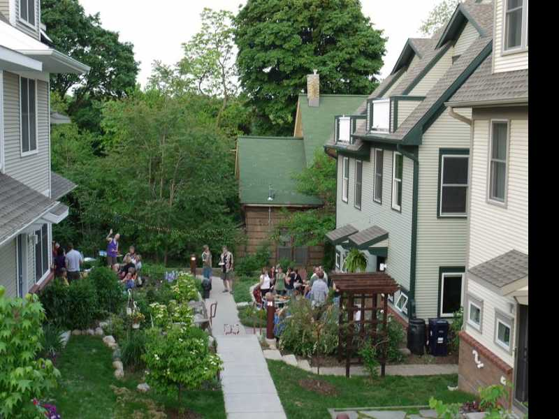 Cohousing Puts the Emphasis on Neighborhood
