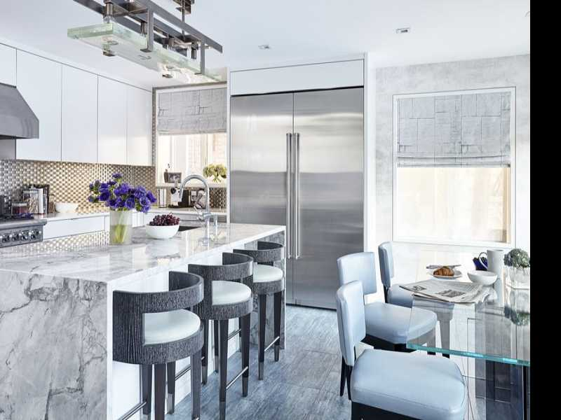A Little Less Drama: Kitchen Backsplashes Get Sleeker