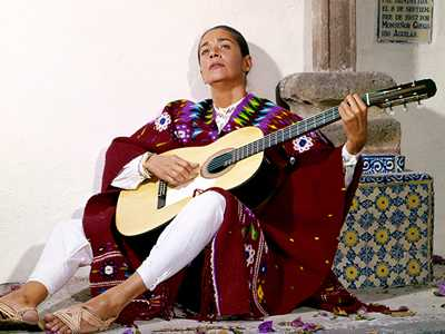 Review :: Chavela