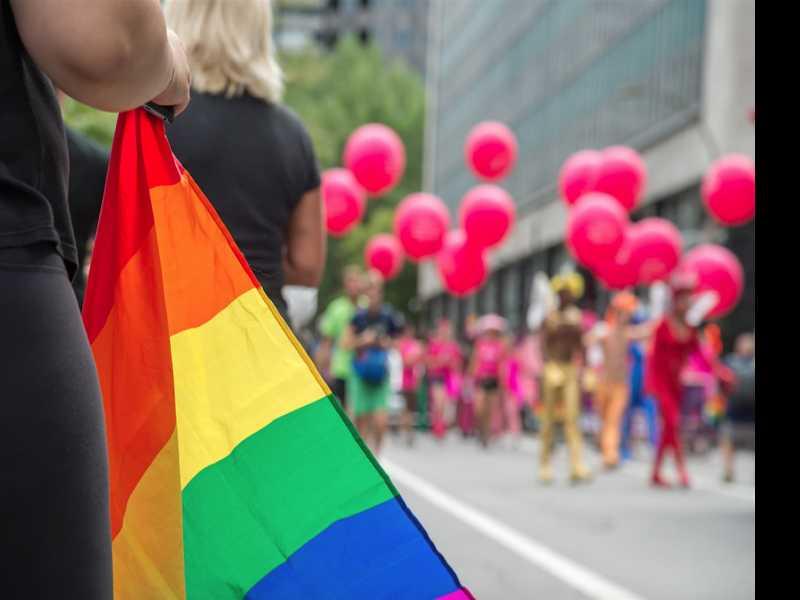 Marchers Brave High Heat for Lisbon's LGBT Pride Parade