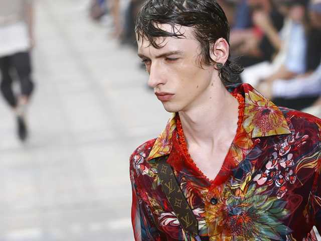 Louis Vuitton Channels Escapism at Sweltering Paris Fashion Week