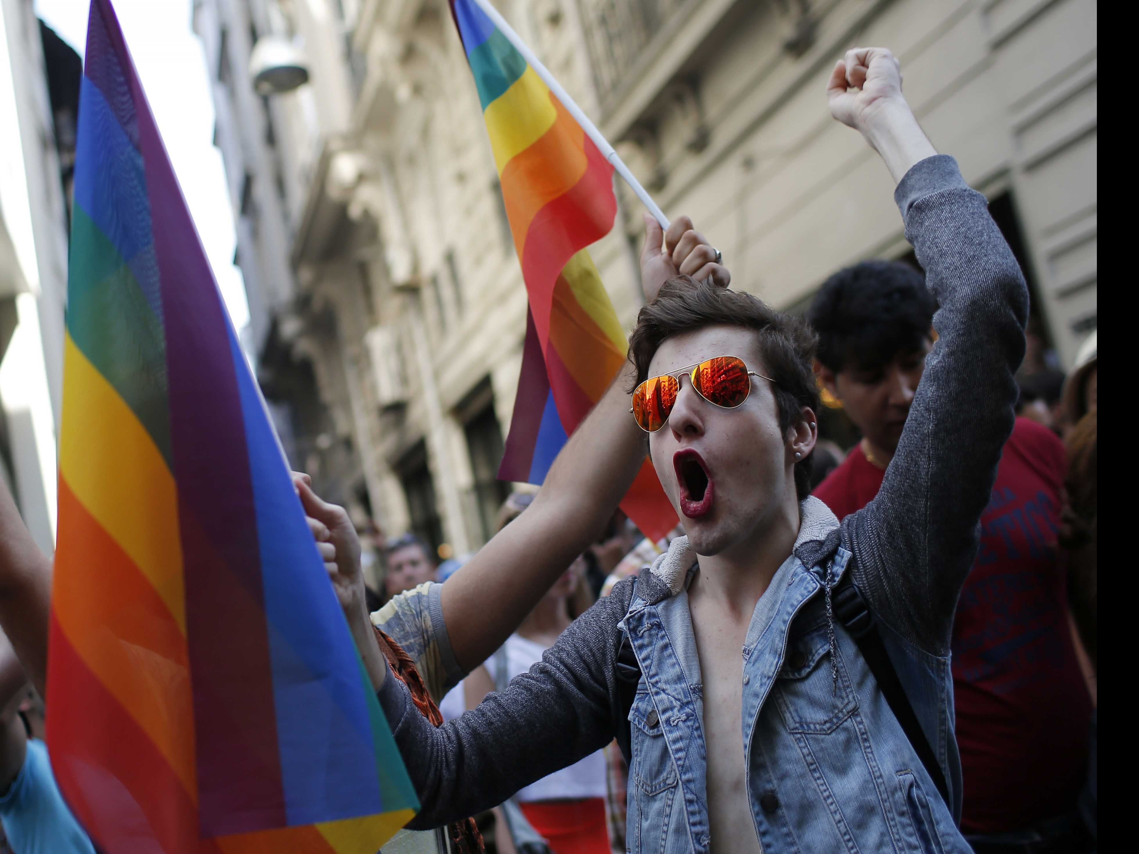 Istanbul Pride March to Go on Despite Governor's Ban