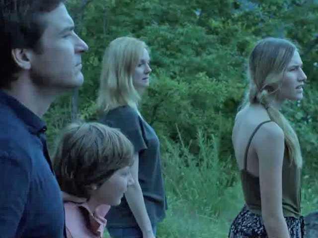 Dark and Clichéd, 'Ozark' on Netflix is Nothing New