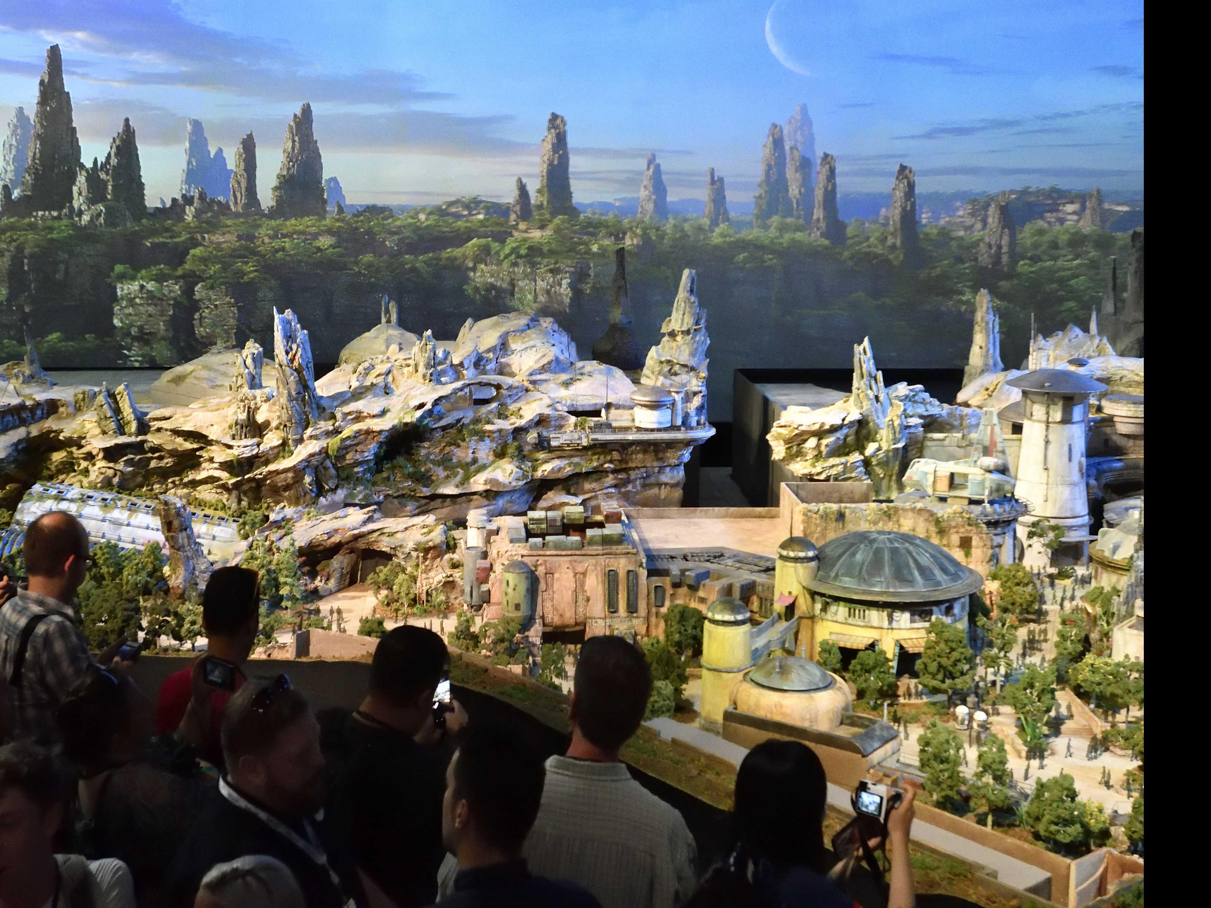 Disney Parks Name Star Wars Lands Galaxy's Edge