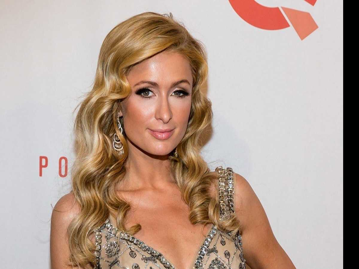 PopUps: Paris Hilton to Give Iconic 'Stars Are Blind' a 2017 Remix