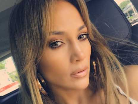 Fans Laud J-Lo for Using Gender Neutral Pronouns to Describe Sister's Kid