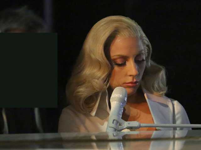 PopUps: Lady Gaga Remembers Amy Winehouse in Moving Post