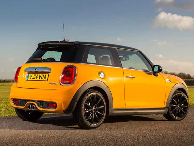 BMW to Build Electric Mini in Oxford Despite Looming Brexit