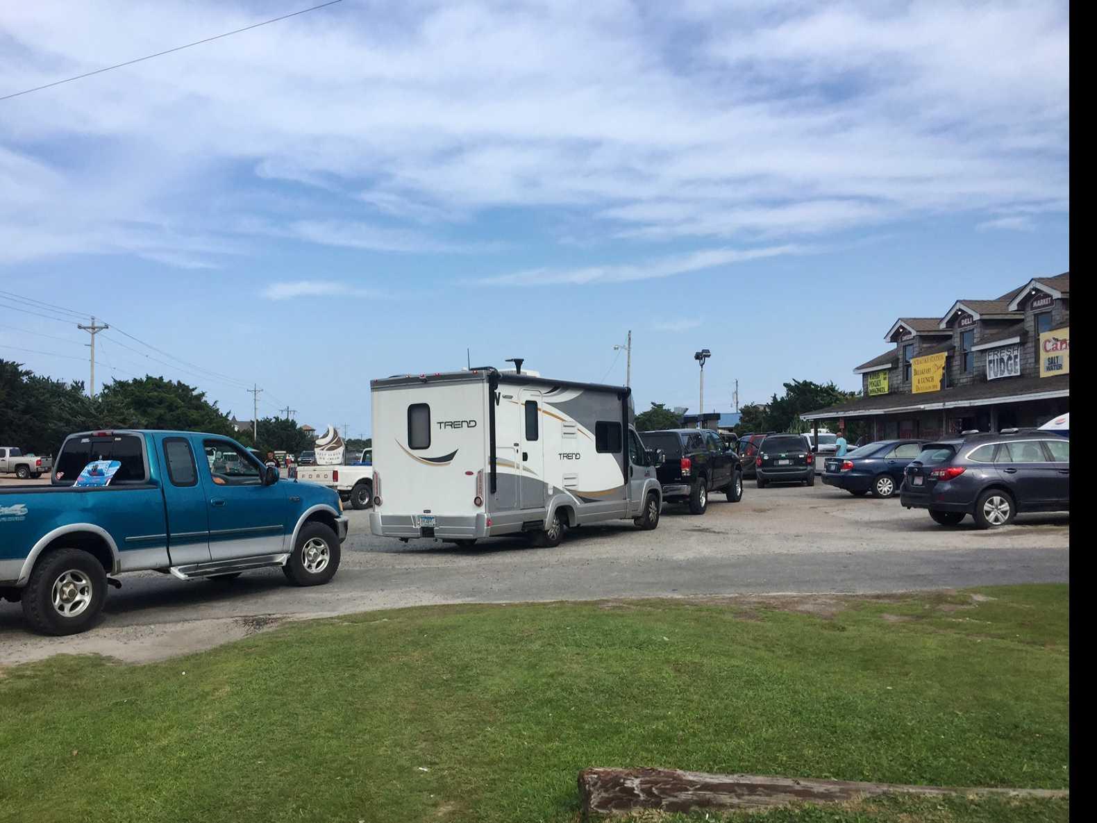 10,000 Tourists to Evacuate N. Carolina Island After Outage