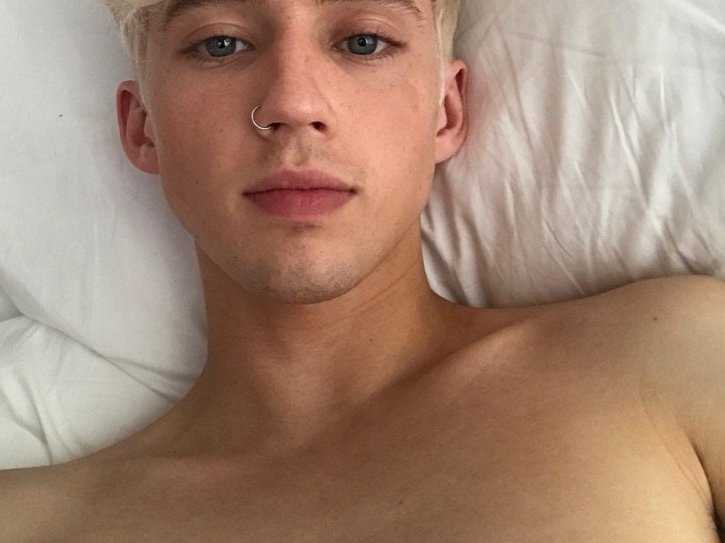 Out Singer Troye Sivan Surprises Fans with Bleach Blond Hair