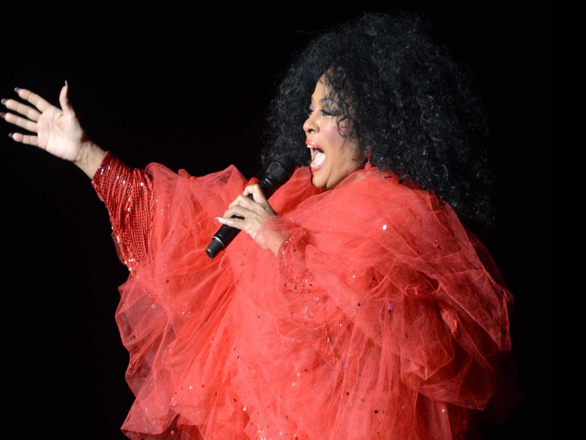 Review :: Diana Ross. Blue Hills Bank Pavilion. July 27, 2017