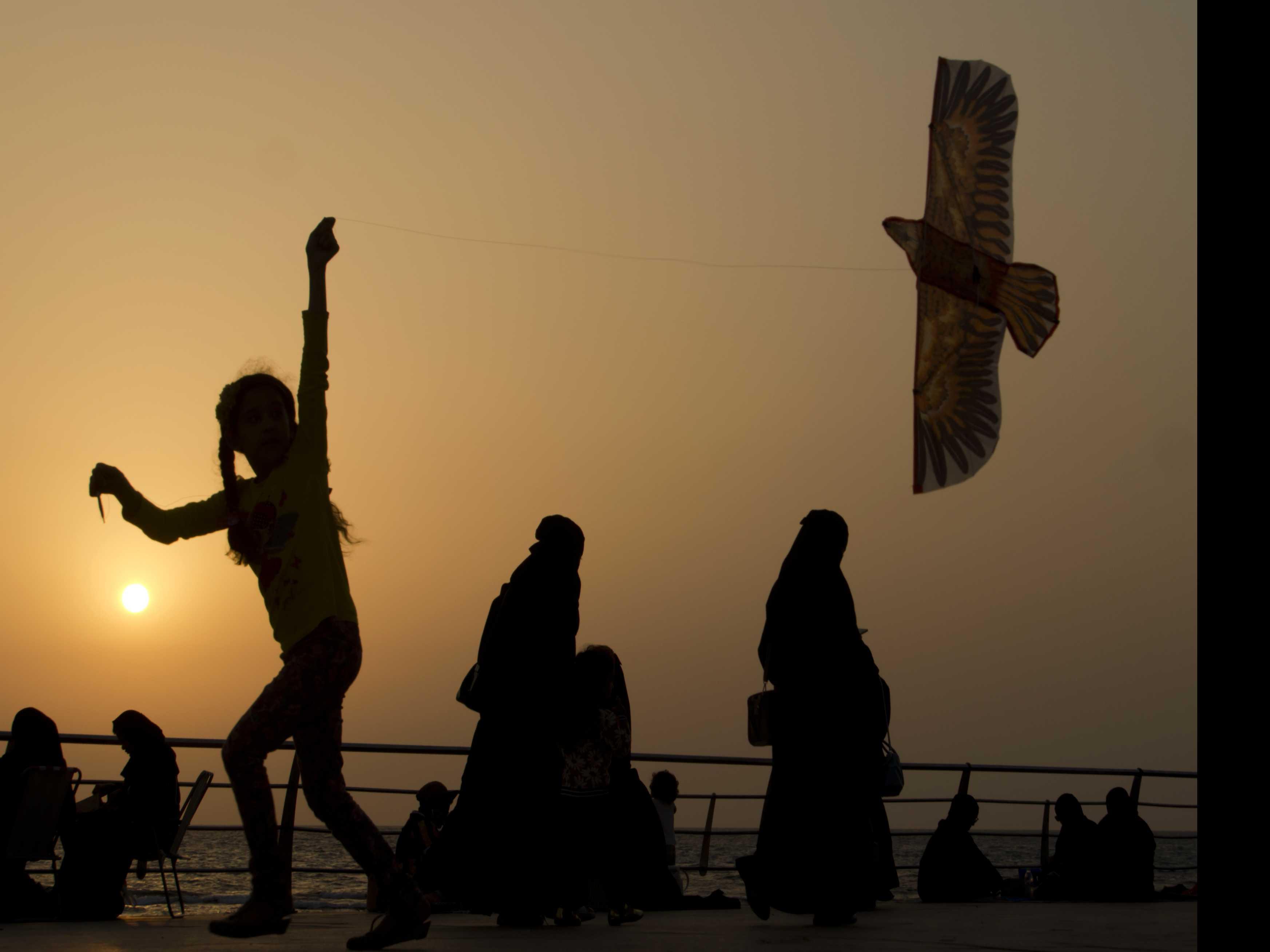 No Visa, No Veil? Saudi Arabia May Ease Rules for Tourists