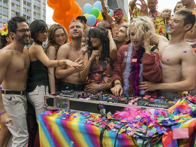 Porn Streaming Site Offers to Produce 'Sense8' Season 3